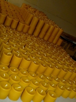 Beeswax 5″ x 3″ Pillar Candle Case – 4 units (P5)