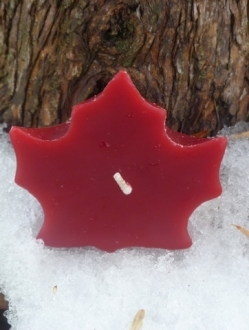 Beeswax 2″ x 3″ Maple Leaf Candle – 1 unit (ML)